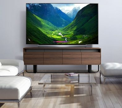 Is it worth to buy the OLED C8 by LG ?